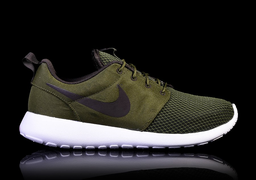 sports shoes da914 596e5 NIKE ROSHE ONE LEGION GREEN