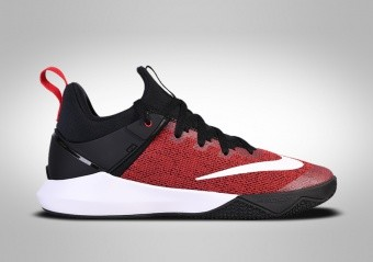 NIKE ZOOM SHIFT UNIVERSITY RED