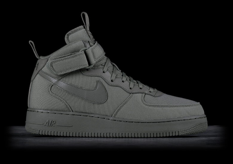 outlet store fdc27 de09b NIKE AIR FORCE 1 MID '07 CANVAS DARK STUCCO per €109,00 | Basketzone.net