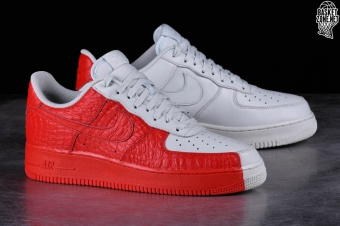brand new 810f0 337fa NIKE AIR FORCE 1 '07 PREMIUM SPLIT price €105.00 ...