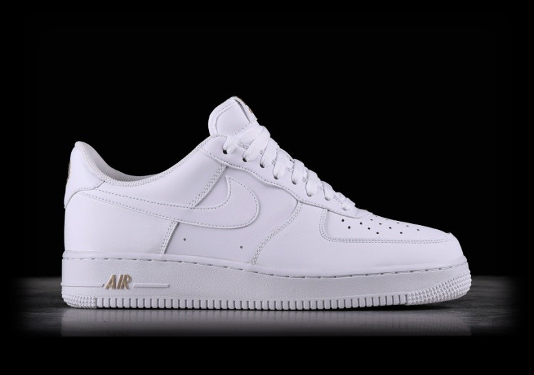 huge selection of 12998 5ce13 NIKE AIR FORCE 1  07 WHITE