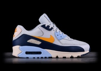 pretty nice b2489 bc2bc NIKE AIR MAX 90 ESSENTIAL TRIPLE WHITE per €115,00   Basketzone.net