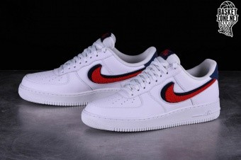 Nike AIR FORCE 1 '08 LV8 Chenille Swoosh 823511 106 Ceny i