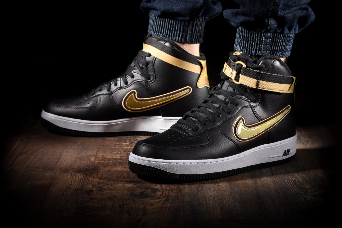new concept 387d4 9c8a1 NIKE AIR FORCE 1 HIGH  07 LV8 SPORT
