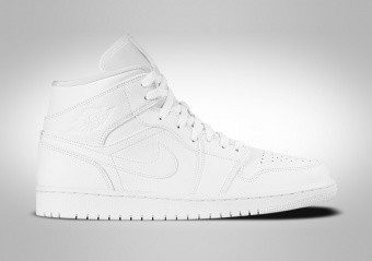 b49fafb8f9e CHAUSSURES DE BASKET. NIKE AIR JORDAN 1 RETRO ...
