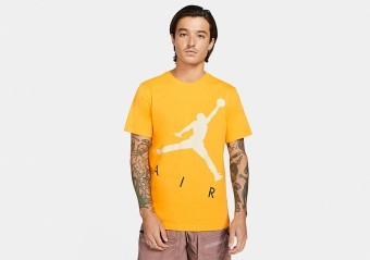 NIKE AIR JORDAN JUMPMAN AIR HBR CREW TEE UNIVERSITY GOLD
