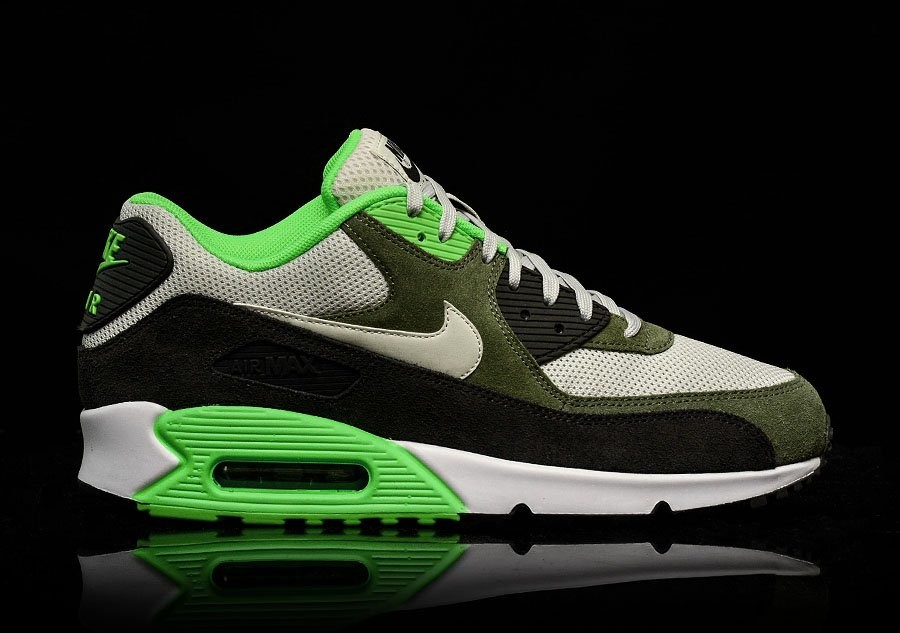 wholesale dealer f89b6 ce4a4 NIKE AIR MAX 90 ESSENTIAL LIGHT BONE